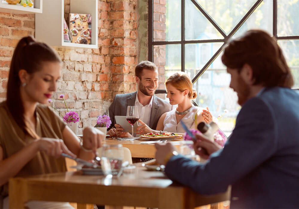 How Millennials Are<br>Changing Holiday Dining